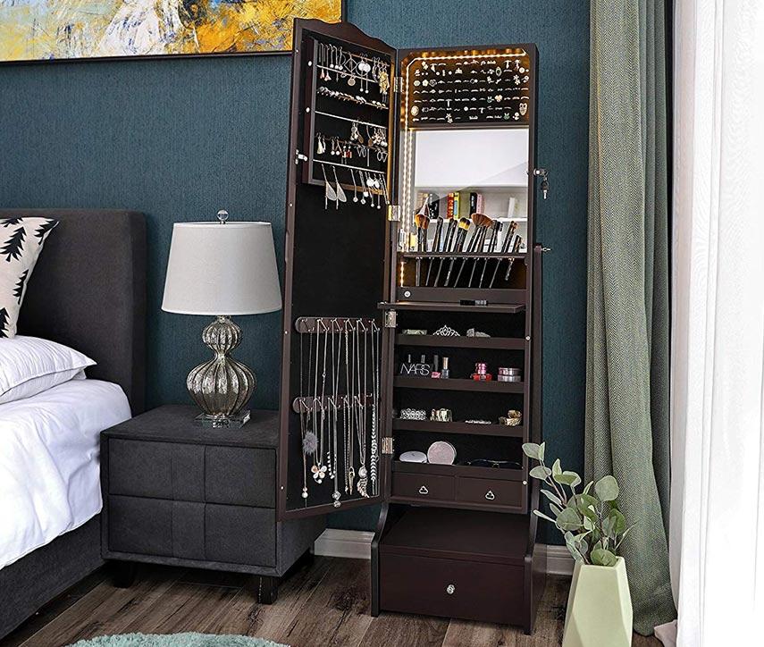 在您的客厅增添豪华风格的镜柜